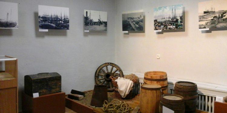 Выставки в День музеев
